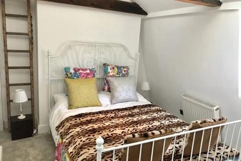 1 bedroom property to rent - Richmond Place