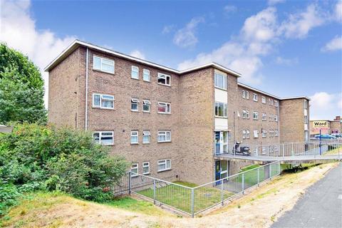 2 bedroom flat for sale - Leyburne Road, Dover, Kent