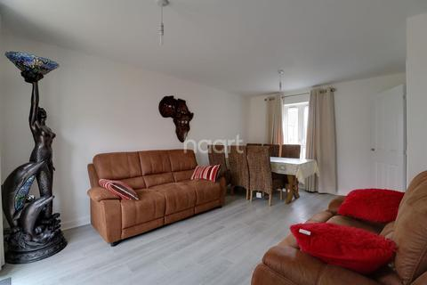 3 bedroom semi-detached house for sale - Barnmead Meadows, North Grays