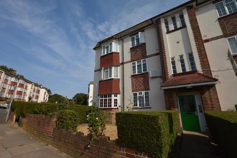 2 bedroom flat for sale - Amblecote Road London SE12