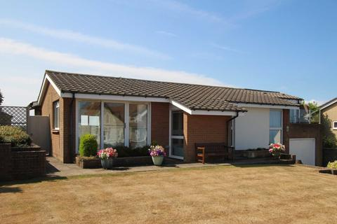 5 bedroom detached bungalow for sale - Bay View Road, Bideford