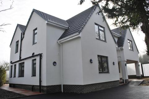8 bedroom detached house to rent - Stoughton Drive South, Leicester, LE2