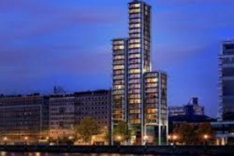 2 bedroom flat for sale - Merano Residences, Albert Embankment, Lambeth, SE1