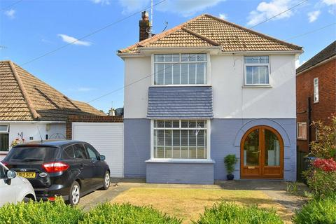 4 bedroom detached house for sale - Pinewood Close, Ramsgate, Kent