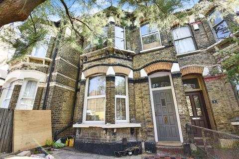 3 bedroom flat for sale - Elcot Avenue Peckham SE15