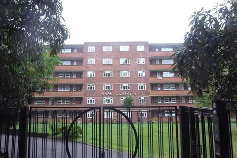 3 bedroom flat to rent - Brae Court, Kingston Hill, KT2 7QQ