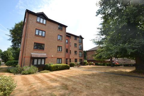 3 bedroom apartment to rent - Adams Close, Surbiton