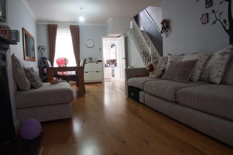 2 bedroom terraced house for sale - Bertram road, Enfield, London, EN1 1LR