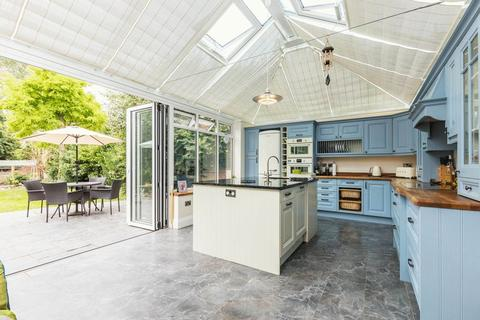 4 bedroom detached house to rent - Howard Road, Southampton