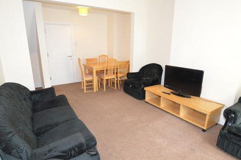3 bedroom property to rent - Harborne Park Road, Birmingham, West Midlands. B17 0PS