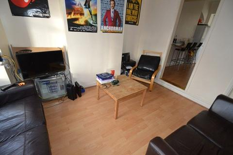 4 bedroom property to rent - Selly Hill Road, Birmingham, West Midlands. B29 7DL