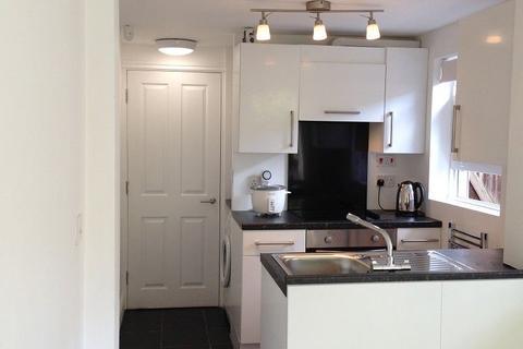 2 bedroom property to rent - Raddlebarn Road, Birmingham, West Midlands. B29 6HQ