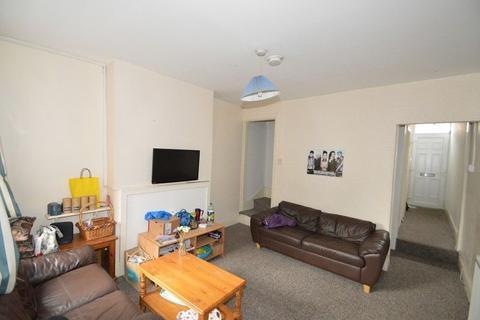 3 bedroom property to rent - Teignmouth Road, Birmingham, West Midlands. B29 7AZ