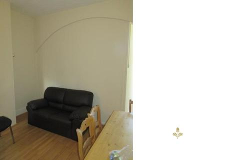 3 bedroom property to rent - Selly Hill Road, Birmingham, West Midlands. B29 7DL