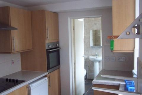 3 bedroom property to rent - Tiverton Road, Birmingham, West Midlands. B29 6BU