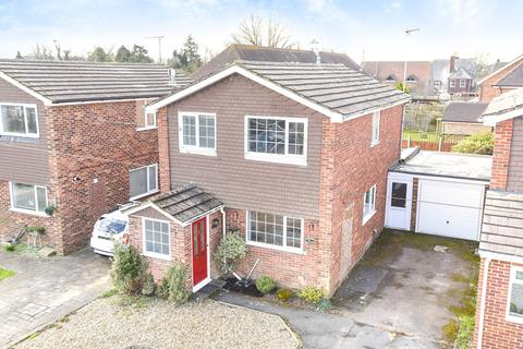 3 bedroom detached house to rent - Chaplin Drive, Headcorn