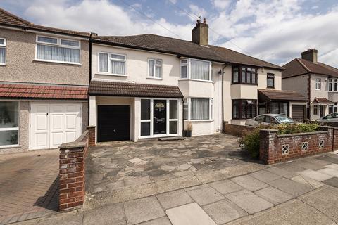 4 bedroom semi-detached house for sale - Fairlawn Avenue, Bexleyheath, Kent, DA7
