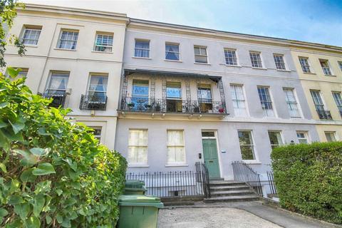 1 bedroom flat for sale - Evesham Road, Cheltenham, GL52