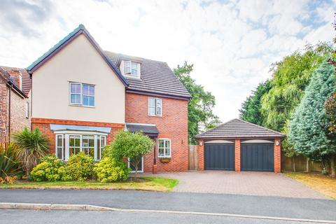 5 bedroom detached house for sale - Minster Drive, Davyhulme, Manchester, M41