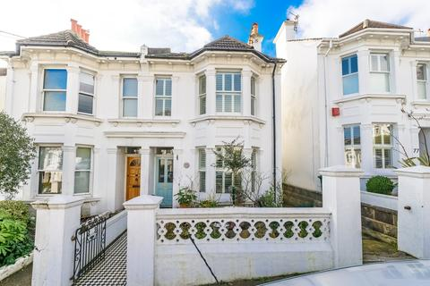 3 bedroom terraced house for sale - Waldegrave Road, Brighton, BN1