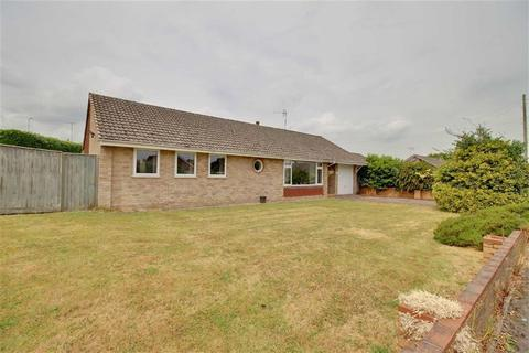3 bedroom detached bungalow for sale - Orchard Way, Huntley, Gloucestershire