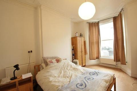 4 bedroom semi-detached house to rent - Park Ridings, Wood Green/Turnpike Lane, N8