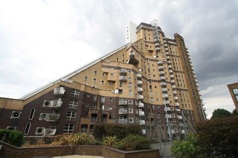 2 bedroom apartment to rent - Cascades Tower, 4 Westferry Road, London, E14