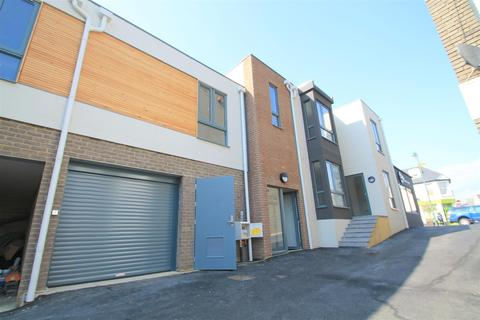 Studio to rent - Oyster House, Shoreham-By-Sea
