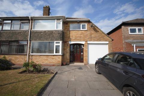 3 bedroom semi-detached house for sale - Tarn Close, Ashton-In-Makerfield, Wigan