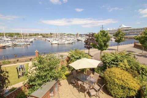 4 bedroom terraced house for sale - Commissioners Wharf, Royal Quays