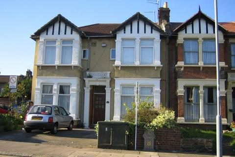 1 bedroom flat to rent - Empress Avenue Ilford
