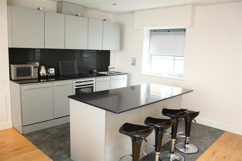 2 bedroom duplex to rent - Islington Gates, Fleet Street