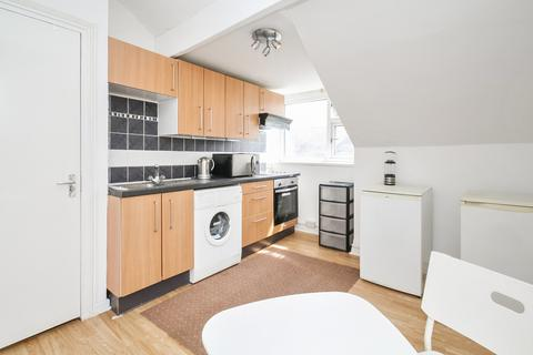 2 bedroom apartment to rent - Autumn Place, Hyde Park