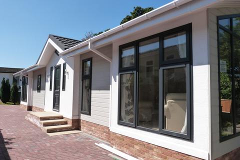 2 bedroom mobile home for sale - Woodbine Close, Waltham Abbey