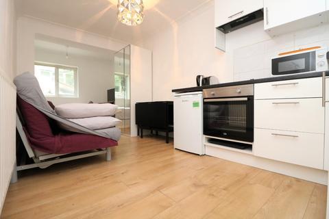 Studio to rent - Oakley Square NW1