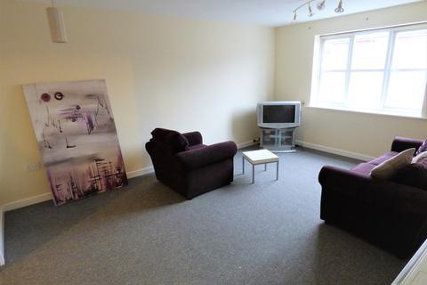 2 bedroom apartment to rent - 198 Hall Lane