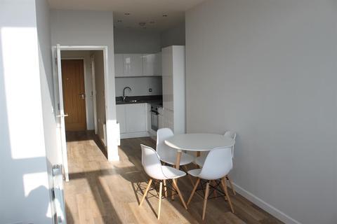 1 bedroom flat to rent - Tate House, Leeds, LS2 7PJ
