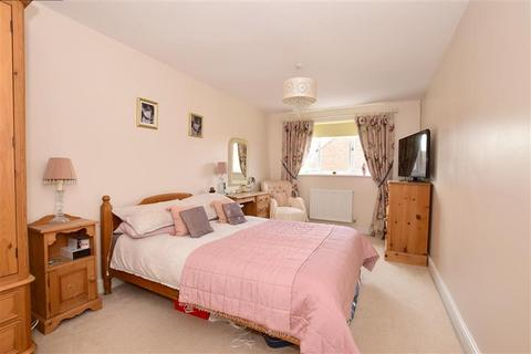 4 bedroom detached house for sale - Weavers Close, Staplehurst, Kent
