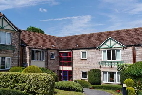 2 bedroom retirement property for sale - Fairacres Close, Keynsham, Bristol