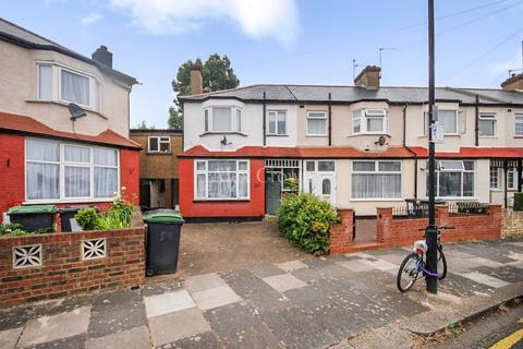 5 bedroom terraced house to rent - Sandford Avenue, Wood Green