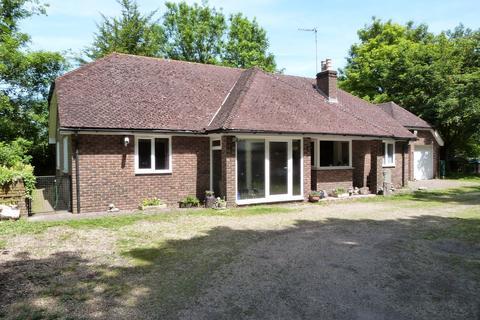 2 bedroom bungalow for sale - Eynsford KENT