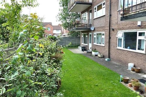 2 bedroom apartment to rent - Dixon Court, Cheadle