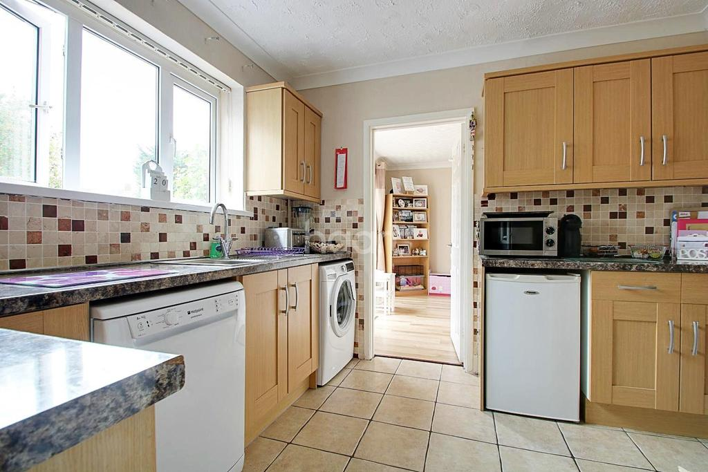 3 Bedrooms Semi Detached House for sale in Friars Way, Farley Hill