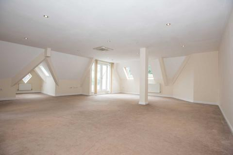 2 bedroom penthouse to rent - Upper Park Road, Salford