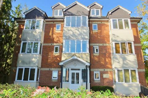 2 bedroom penthouse - Regents Park Road, Southampton