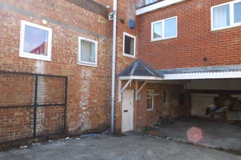 Studio to rent - Victoria Road, Woolston