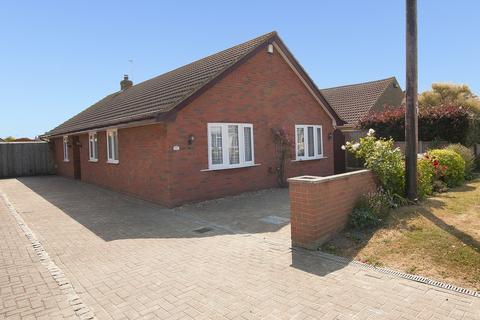 4 bedroom detached bungalow for sale - Bentley Avenue, Herne Bay, Kent
