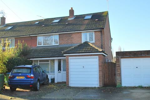 4 bedroom semi-detached house to rent - Alders Grove, East Molesey, KT8