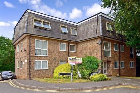 2 bedroom flat for sale - Hawden Road, Tonbridge, Kent