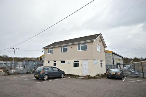Property to rent - Station Road, Cwmbran